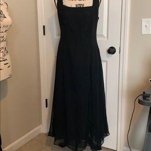 Jacqueline Lauren Flowy Black Formal Dress Medium